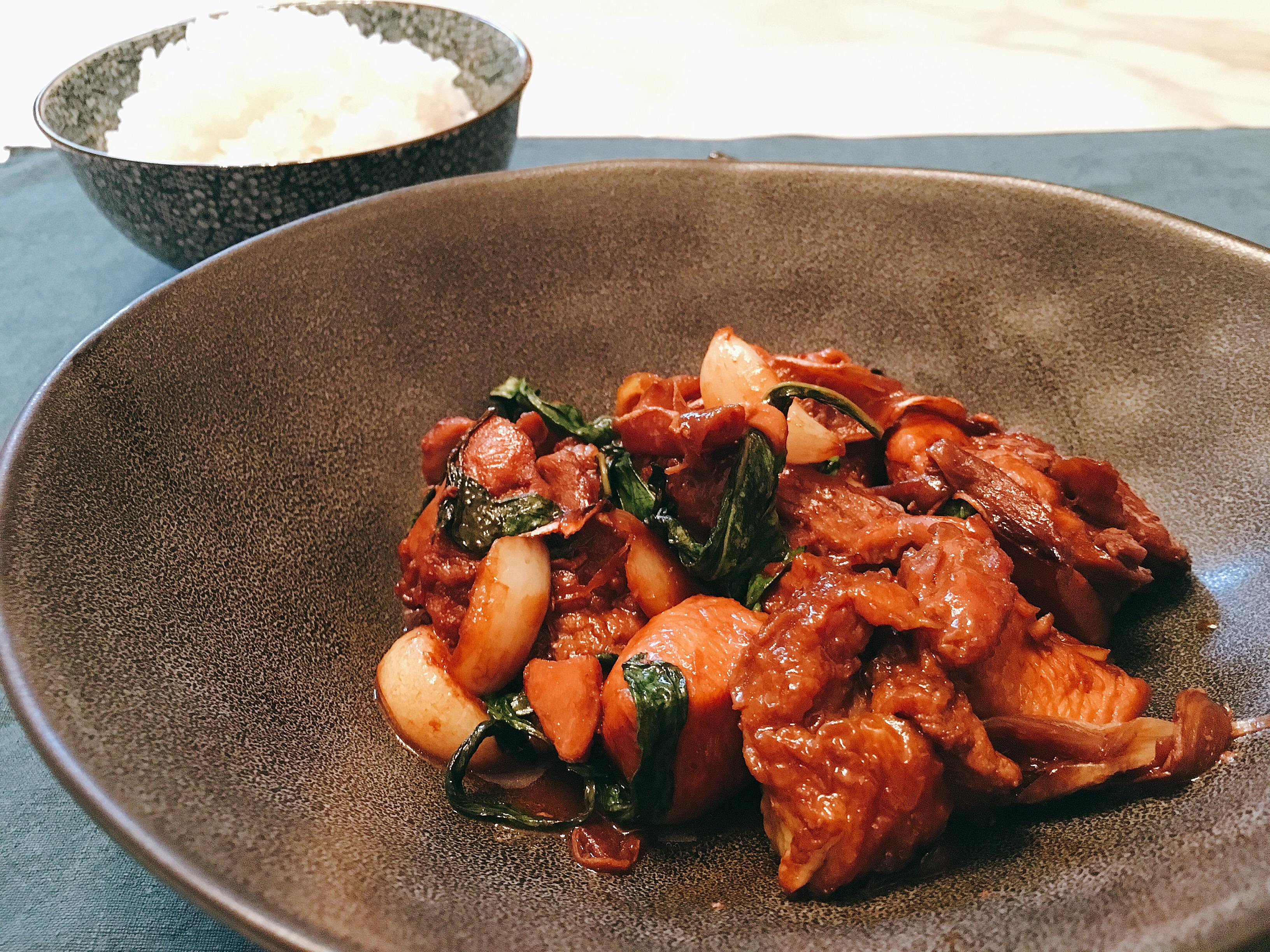 San Bei Ji (poulet aux 3 verres) 三杯雞